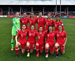Womens U19s lost against England: 7-0